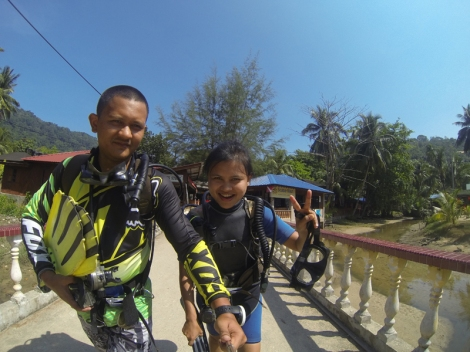 With my beloved sister. Sle like to try cuba diving